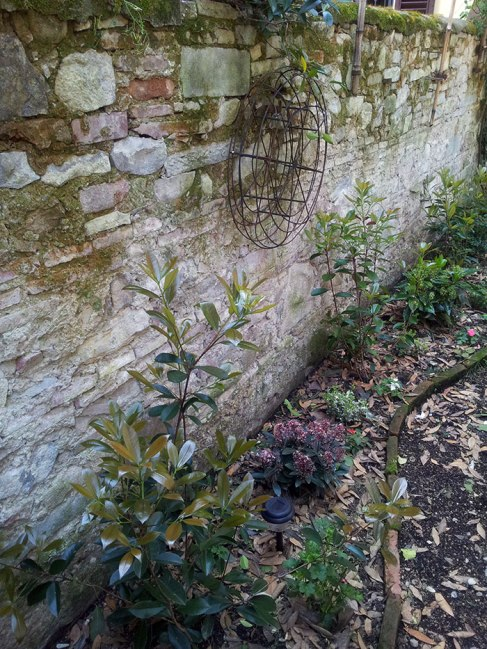 w-stone-gardenwall