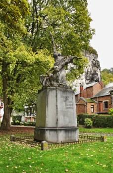 Sculpture Triomf van het Lichtâ in Dinant. Belgique