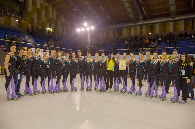La squadra del Grande Gruppo dopo la premiazione ai Campionati regionale 2016