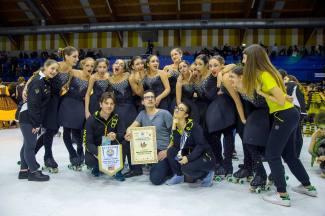 Il gruppo Jeunesse con gli allenatori Martina Cella e Dario Scarpa e il Coreografo Andrea Cammoranesi soddisfatti del risultato