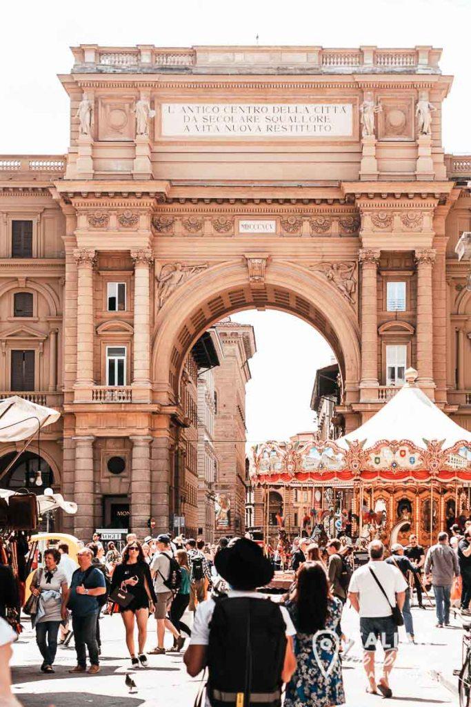Piazza della Repubblica and Carousel of Florence