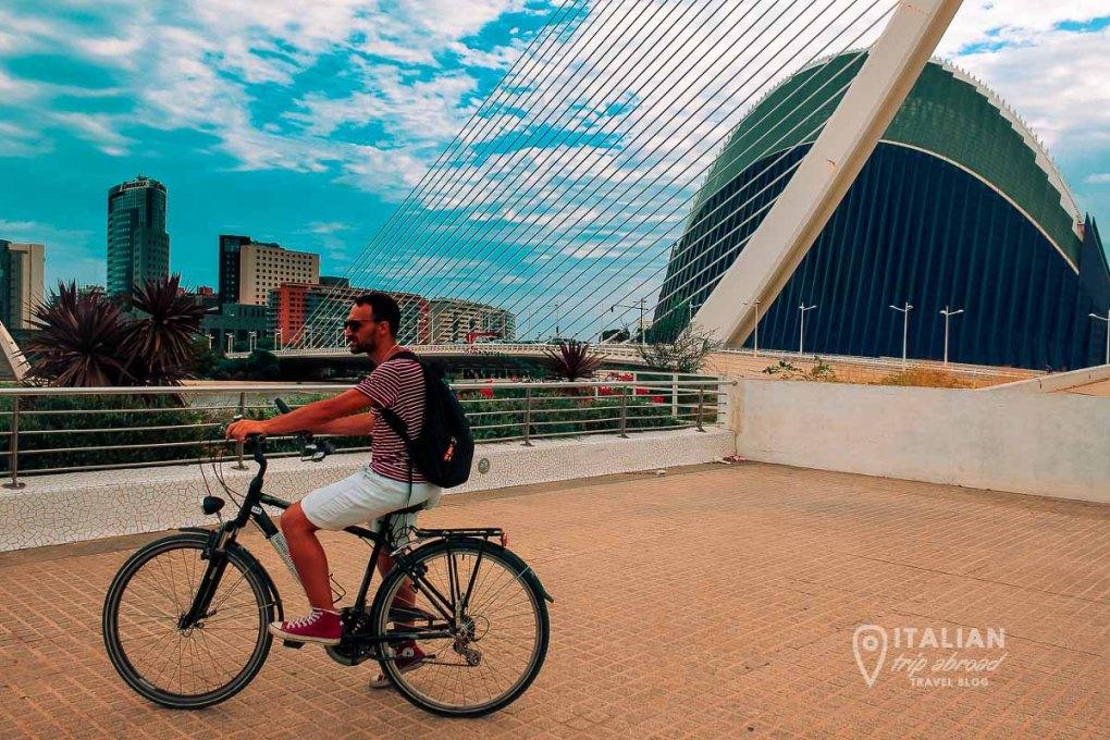Bike Rent and Bike itinerary of Valencia