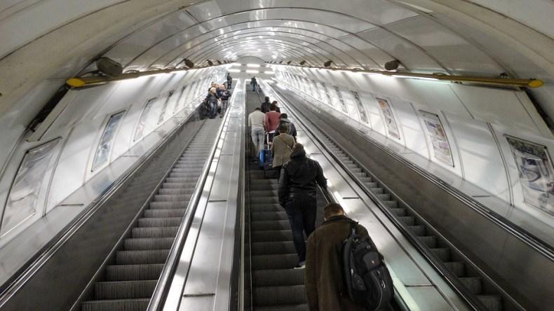 escalator-2211356_960_720
