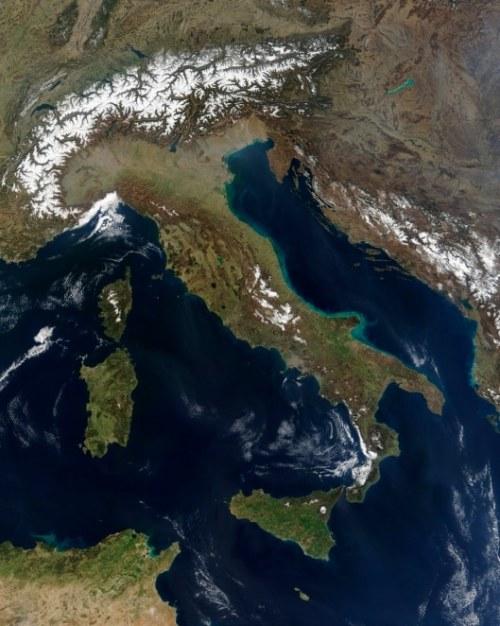 Italy satellite image