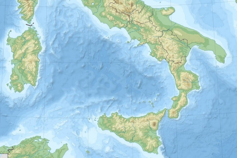 Regions Of Southern Italy »italian Wine Central: Italy Topographic Map At Slyspyder.com