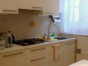 アパートのキッチン