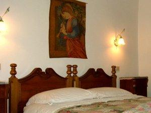 アッシジのホテルのベッド