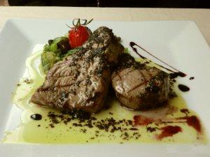 アマルフィのマグロ料理