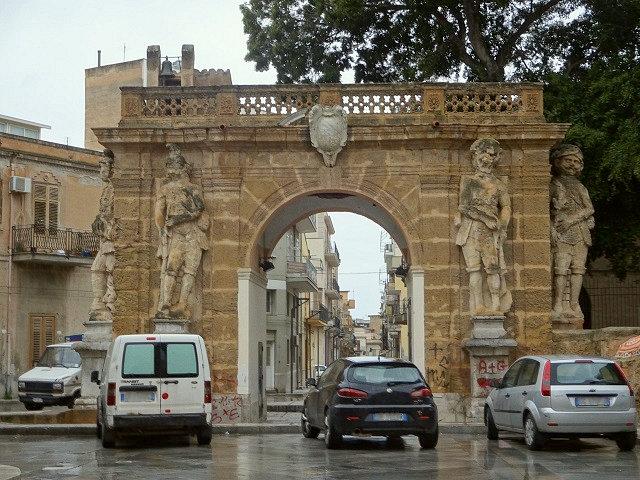 ヴィッラ・パラゴニアの門
