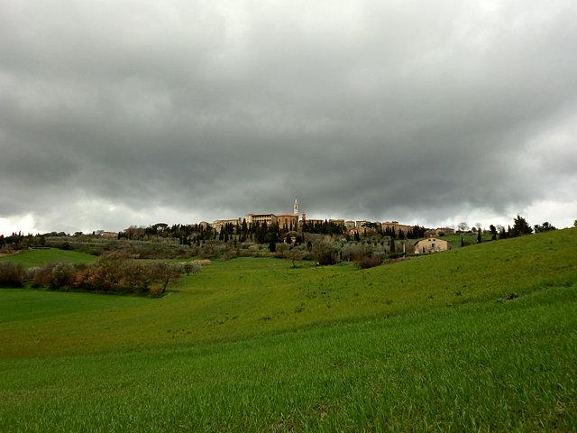 ピエンツァの雨雲
