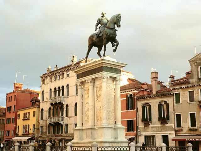 コッレオーニ騎馬像