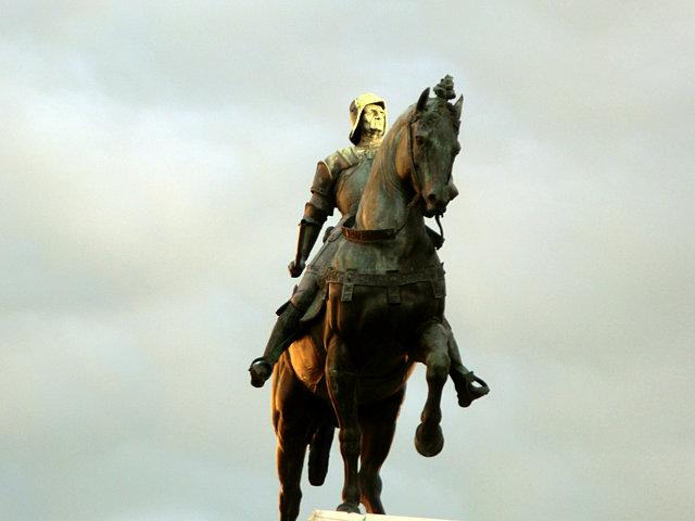 コッレオーニ像