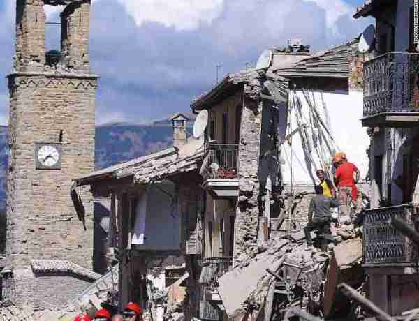 amatrice earthquake devastation clocktower