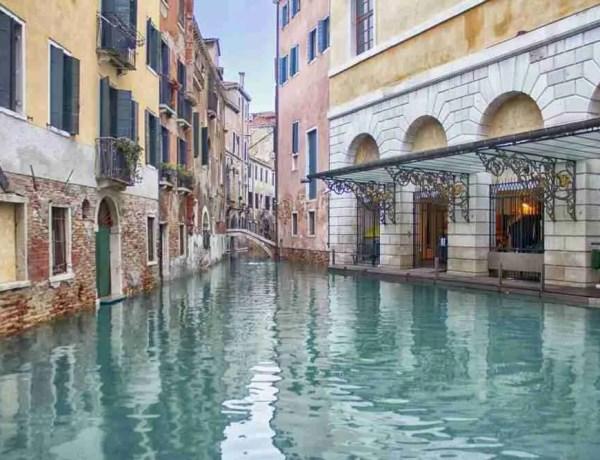 Acqua alta in Venice