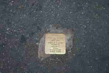 Memorial stone to a deported Jew in Rome