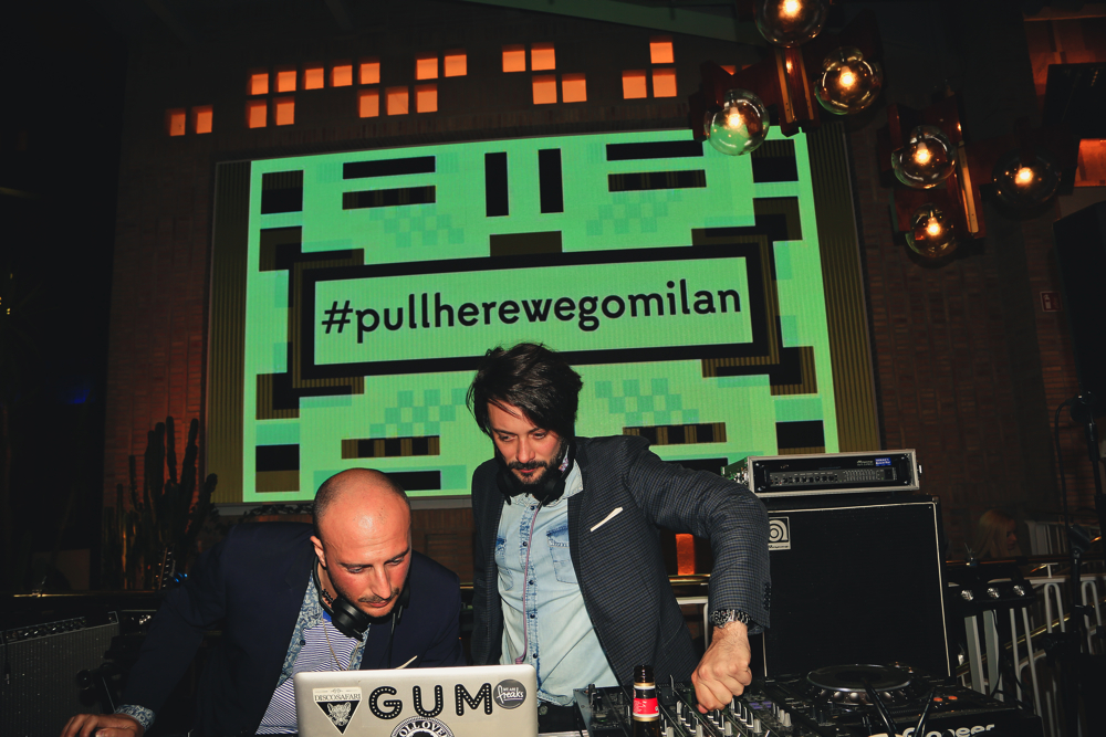 PULL&BEAR_OpeningParty_RollOver