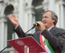 Renzi a Venezia. Il prezzo del Patto con Giggi il bullo.