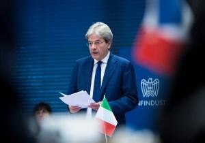 I missili di Trump scompaginano la fragile politica italiana.