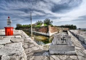 Veneto, Italia, Varia umanità Spiagge, ultrà, fascismi e morti ammazzati. La complicità di chi minimizza.
