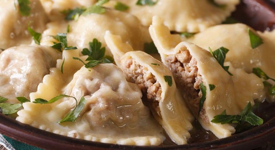 Как делают тесто для равиоли в италии. Равиоли: что это такое, секреты приготовления итальянских «пельмешек. Как приготовить в домашних условиях: рецепты