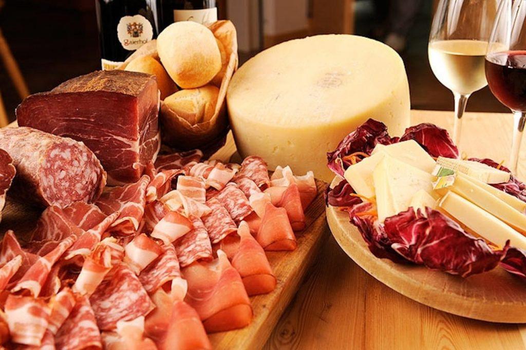 salumi-formaggi-tipici-enogastronomia