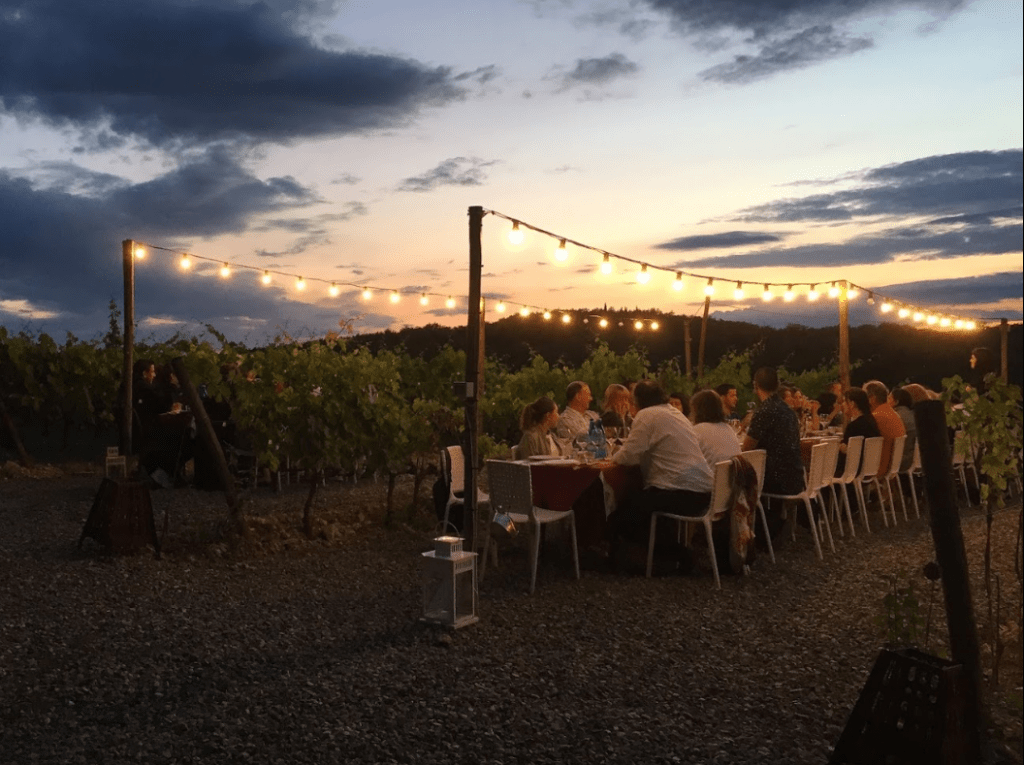 Dinner-in-the-wineyard-Experiences-Italy4golf