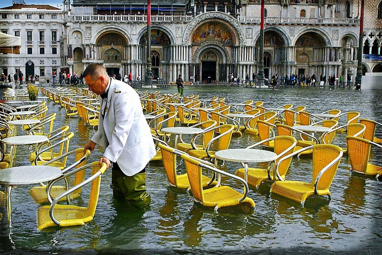 Wide tide in Venice