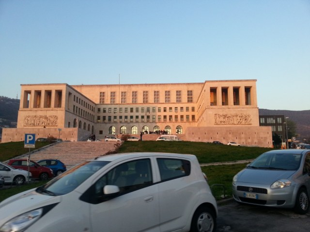 Università degli studi di Trieste.jpg