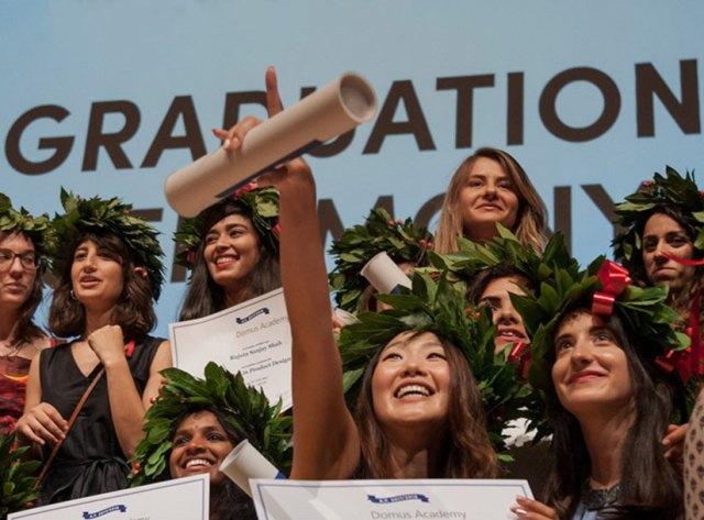 Domus mezuniyet foto