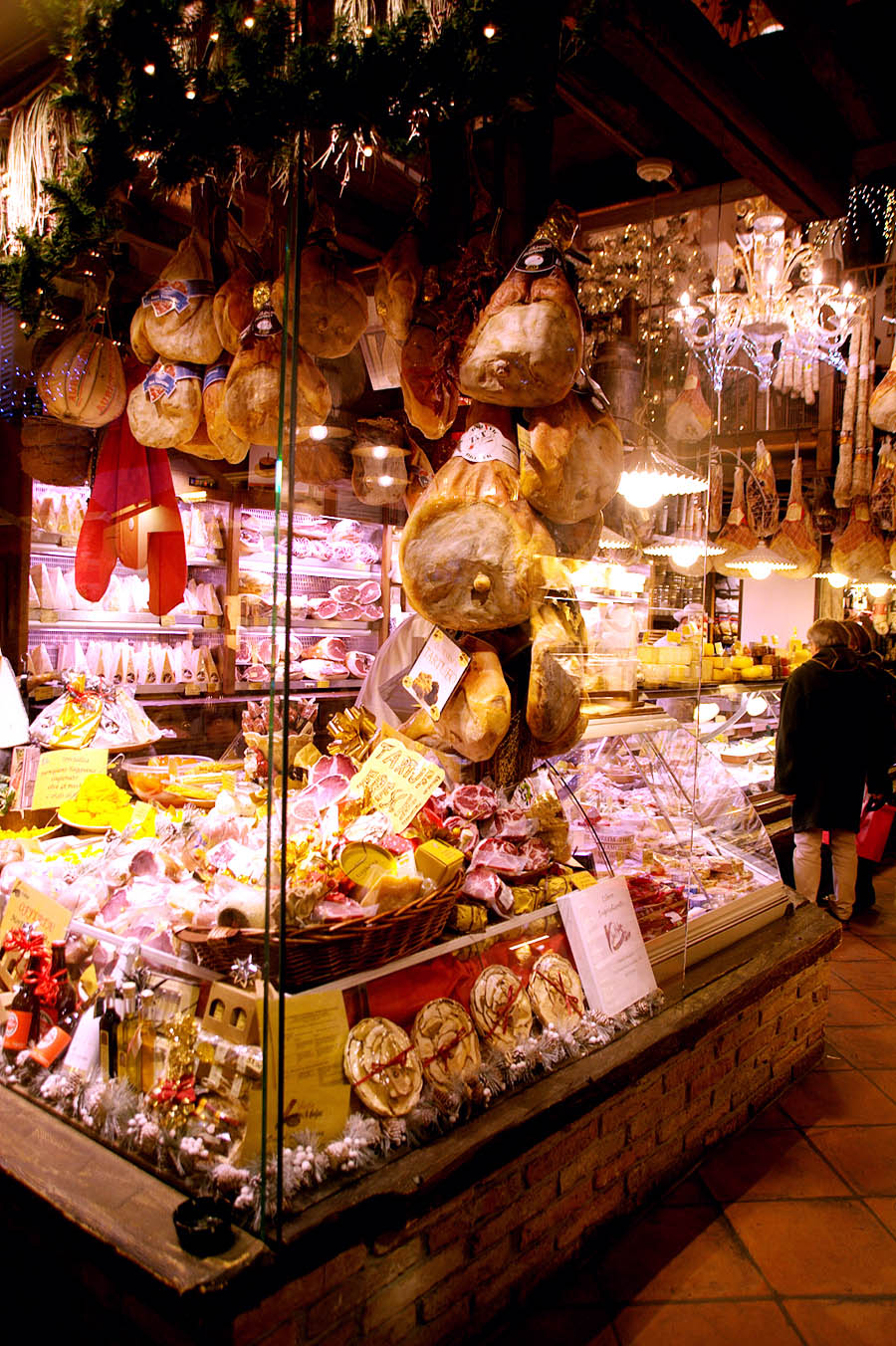 shopping in bologna-italy on my mind