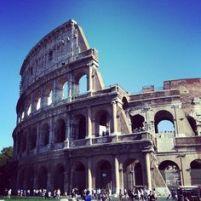 architettura in travertino Colosseo a Roma