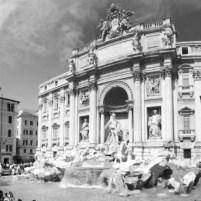 architettura in travertino fontana di trevi