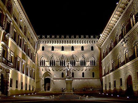 Monte dei Paschi di Siena - Piazza Centrale