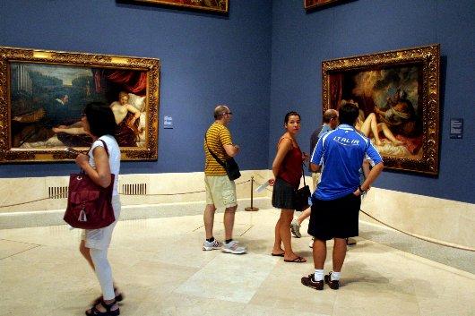 Pavimento in travertino al museo del Prado