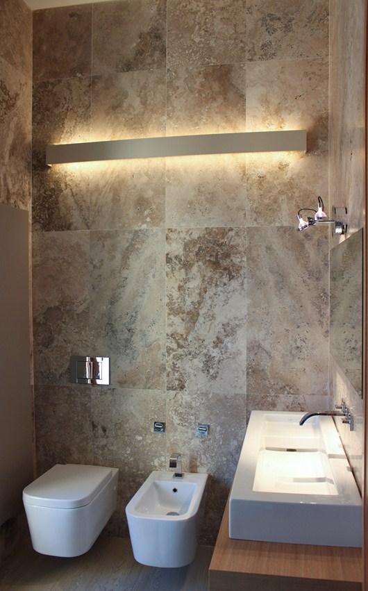 Nuovo bagno in piastrelle di pietra di rapolano - Piastrelle pietra bagno ...