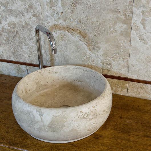 Lavandino in Pietra di Rapolano Modello Wheel