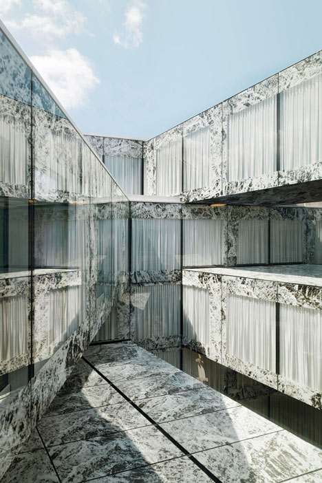 Allianz-Headquarters-by-Wiel-Arets-Zurigo