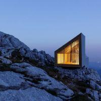 Un rifugio alpino nelle Alpi di Kamnik in Slovenia