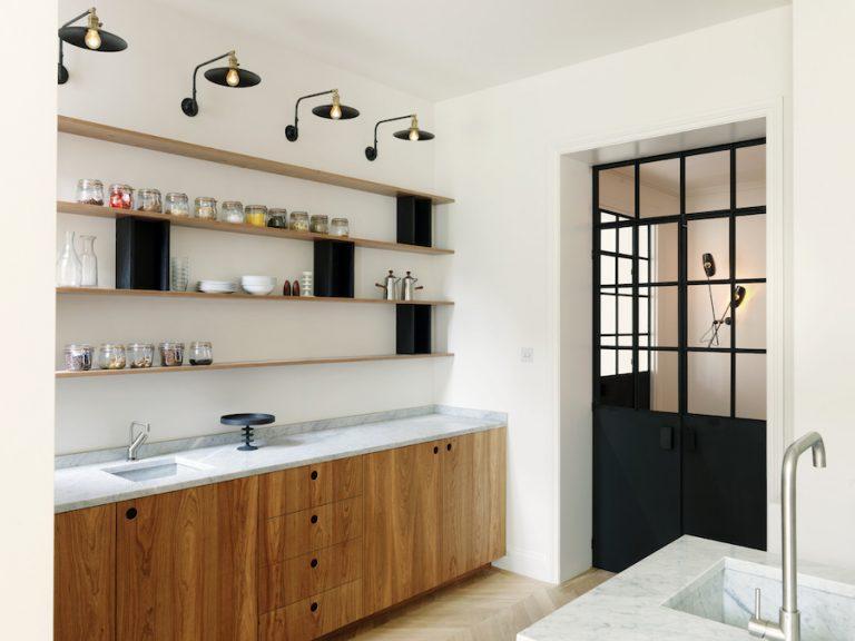 cucina-studio-maclean-londra-marmo-piano-lavabo