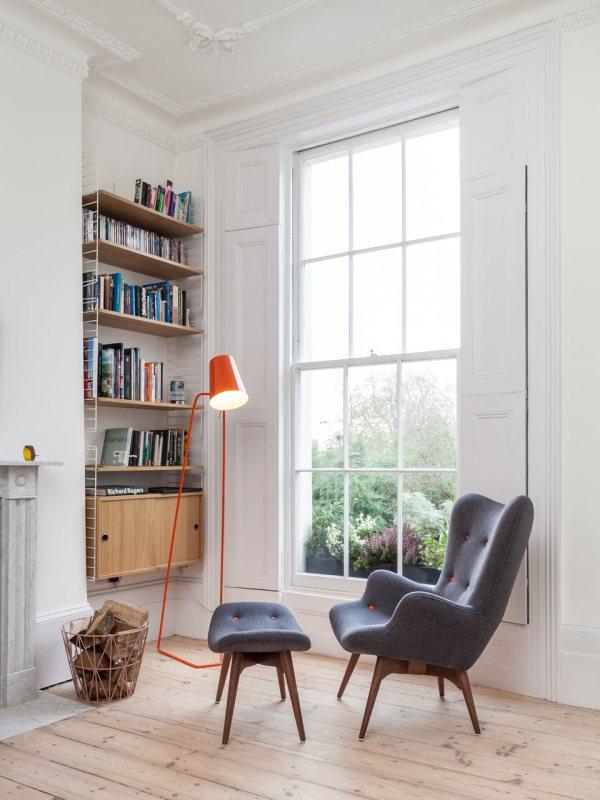 soggiorno appartamento ridotte dimensioni camino in marmo