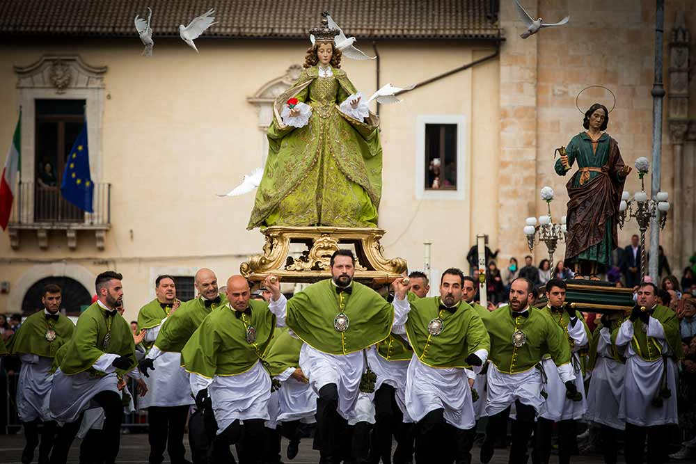 Running Madonna, Italywise