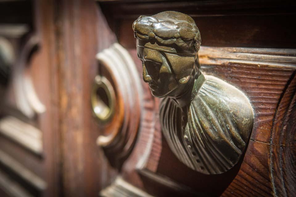 A bust of a Venetian nobleman standards guard.