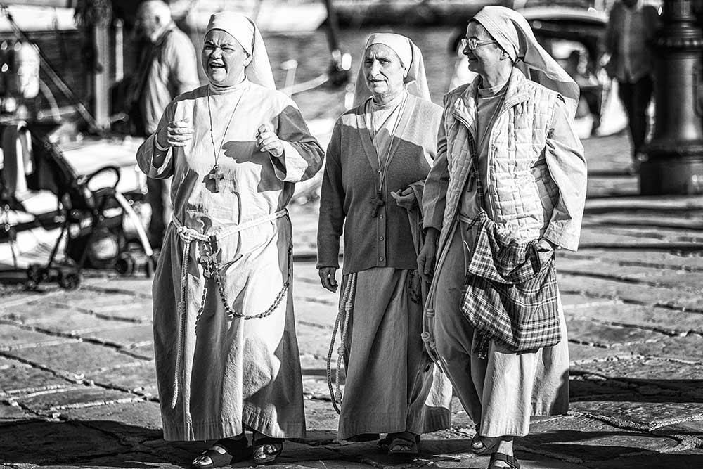 Nuns, Italywise