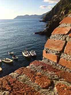Gommoni e barche armeggiate a Riomaggiore