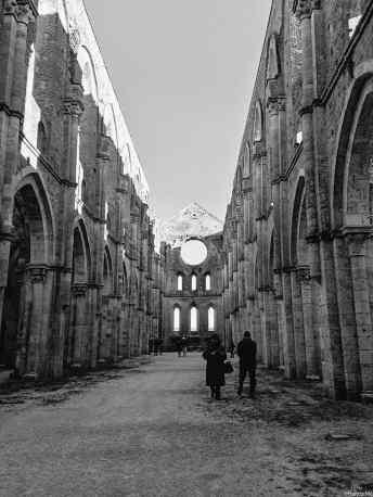 La navata centrale dell'Abbazia di San Galgano