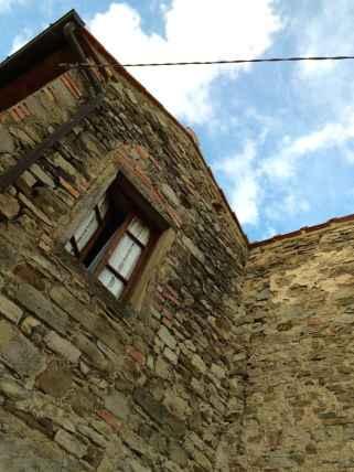 Abitazione in pietra a Moggiona