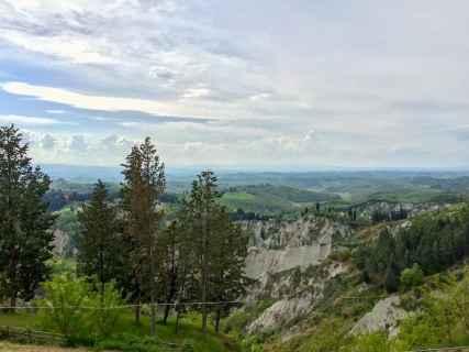 Panorama dell'Abbazia di Monte Oliveto da Chiusure