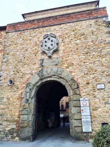 Porta San Giusto, Lucignano