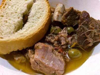 La scottiglia di maiale che abbiamo mangiato in una delle taverne allestite dalle contrade di Torrita durante la settimana del Palio dei Somari