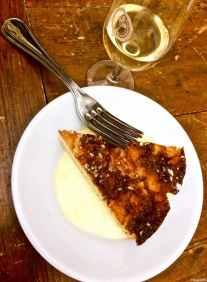 Moscadello di Montalcino e torta di mele al quartiere Ruga